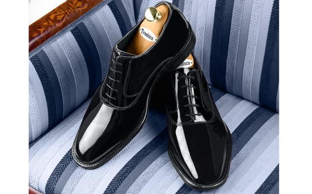 Deslumbra esta Navidad con tus Zapatos Charol auténticos